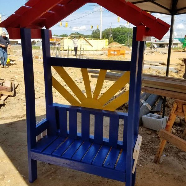 1001pallets.com-a-wee-nench-for-a-wee-niece
