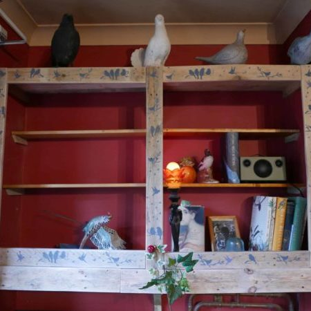 1001pallets.com-pallet-wood-shelf-unitbird-aviary