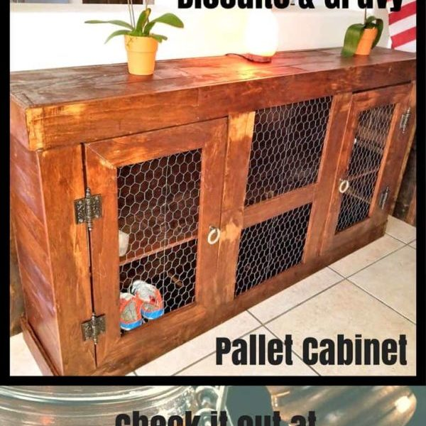 1001pallets.com-biscuits-and-gravy-pallet-cabinet-you-have-to-see-03