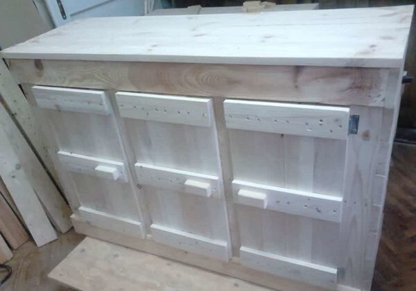 1001pallets.com-chest-of-drawers-for-a-variety-of-purposes
