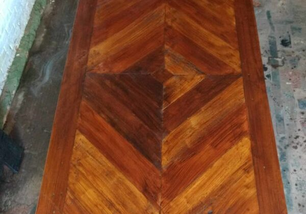 1001pallets.com-chevron-pallet-dining-table-is-a-beautiful-gift-01