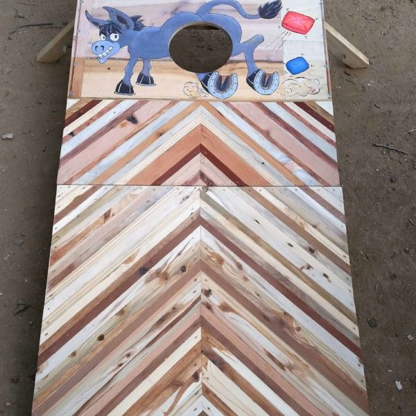1001pallets.com-cornhole-game-board-1st-of-a-pair-out-of-pallet-wood1