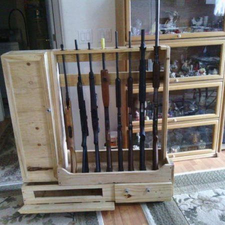 1001pallets.com-decorative-crate-lumber-gun-racks-02