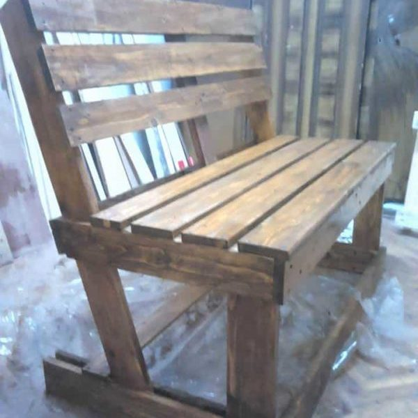 1001pallets.com-two-pallets-are-required-to-take-their-turns-these-benches