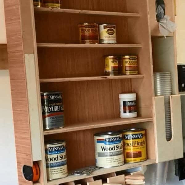 1001pallets.com-diy-video-tutorial-handy-recycled-wood-finishing-station-02