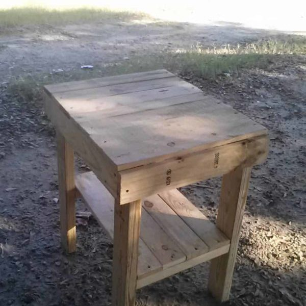 1001pallets.com-bed-side-table