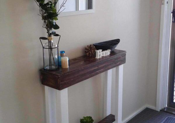 1001pallets.com-entry-hallway-table2