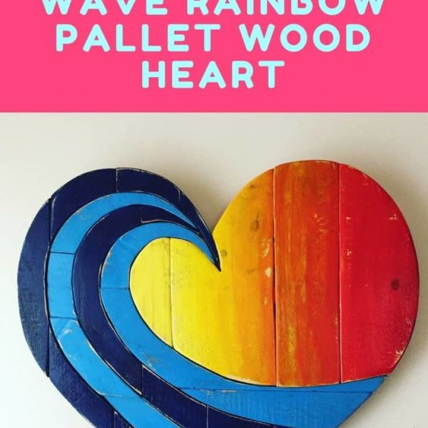 1001pallets.com-etsy-product-of-the-week-lovely-wave-rainbow-pallet-wood-heart-01