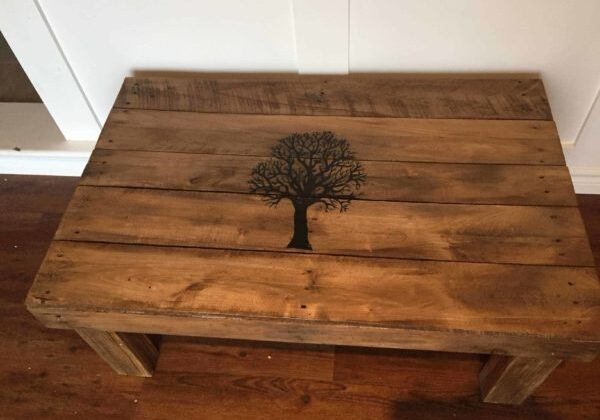 1001pallets.com-fall-tree-coffee-table