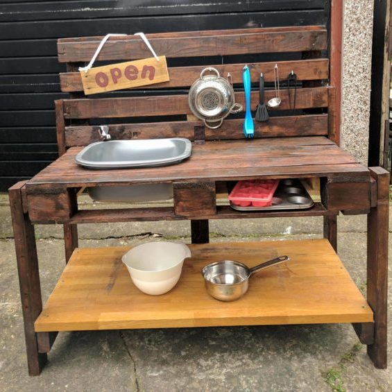 Fanciful Kid's Pallet Mud Kitchen