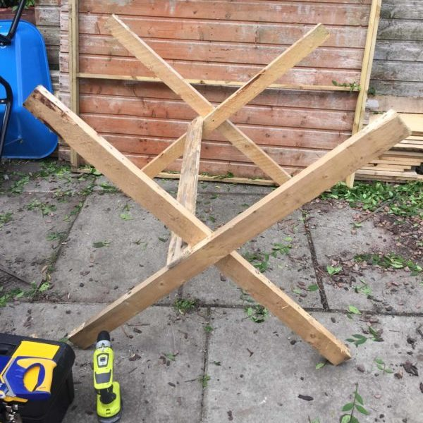 1001pallets.com-simple-folding-sawbuck