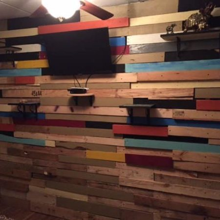 1001pallets.com-bedroom-wall-pallet