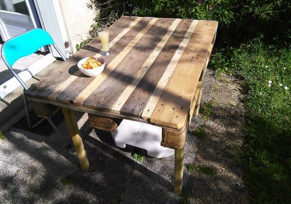 1001pallets.com-table-salon-jardin2