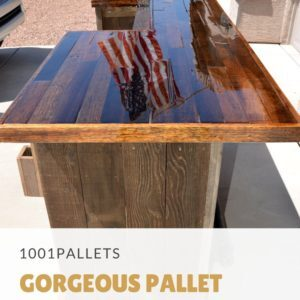 1001pallets.com-gorgeous-pallet-wood-rolling-bar-01