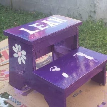 Handy, Adorable Children's Pallet Step Stool