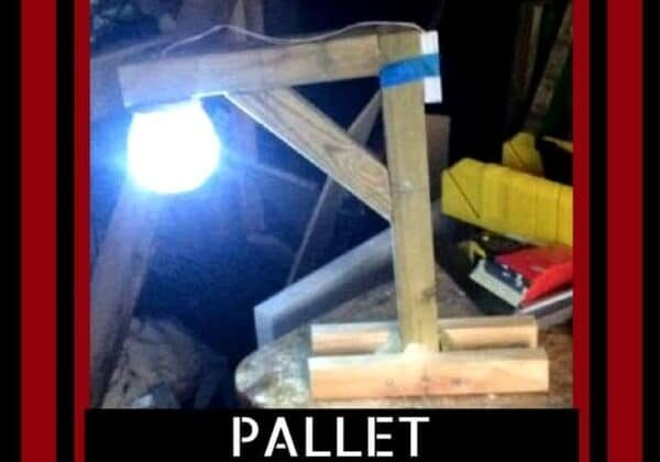 1001pallets.com-hang-em-high-pallet-gallows-lamp-02