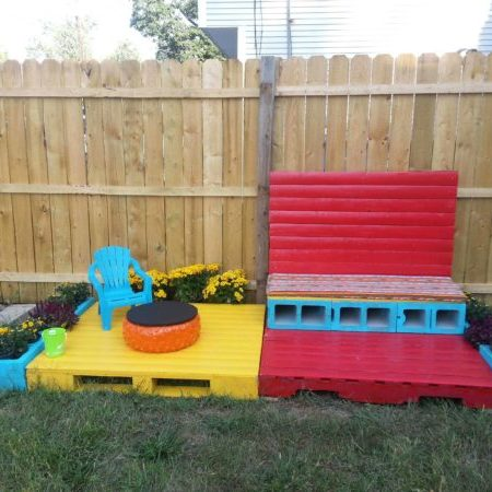 1001pallets.com-build-granddaughter-her-own-patio
