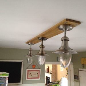 1001pallets.com-how-i-made-this-light-fitting-for-my-kitchen