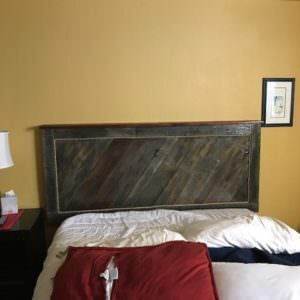 1001pallets.com-interior-door-pallet-head-board-01