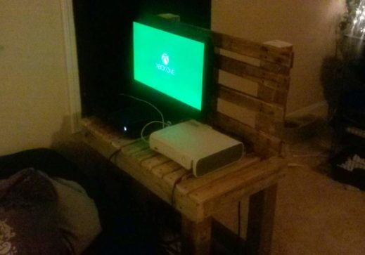 1001pallets.com-just-another-tv-stand