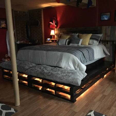 1001pallets.com-king-size-pallet-bed