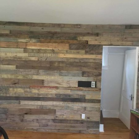1001pallets.com-accent-wall-for-my-living-room