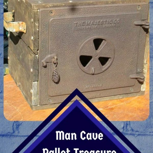1001pallets.com-majestic-man-cave-pallet-treasure-chest-03