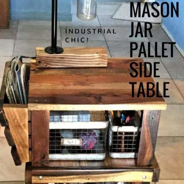 1001pallets.com-mason-jar-lamp-pallet-side-table-01