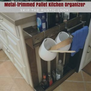1001pallets.com-metal-trimmed-pallet-kitchen-shelf-etagere-de-cuisine-palette-et-metal-04