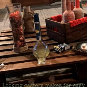 1001pallets.com-mobile-outdoor-pallet-coffee-table-tavolino-da-esterno-con-ruote-01