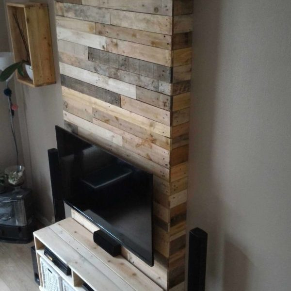 Add Style Quickly More Than 50 Beautiful Pallet Wall: Walls & Sliding Barn Door Made From Pallets €� 1001 Pallets