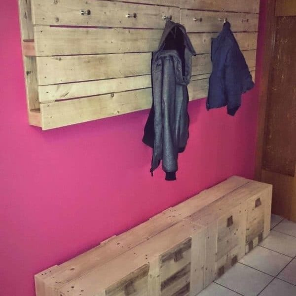 1001pallets.com-my-new-pallet-wardrobe-coat-rack-2