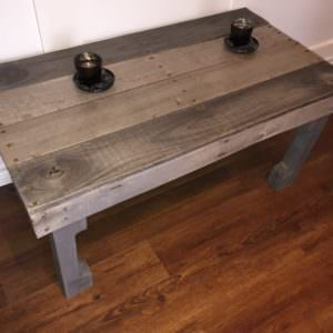 1001pallets.com-naturally-sun-bleached-wood-coffee-table