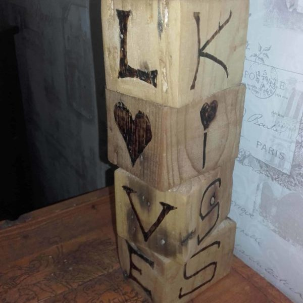 1001pallets.com-love-blocks