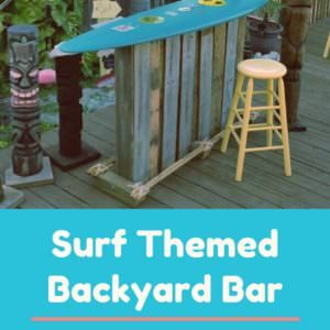 1001pallets.com-only-two-pallets-made-this-totally-tubular-surf-themed-backyard-bar-01