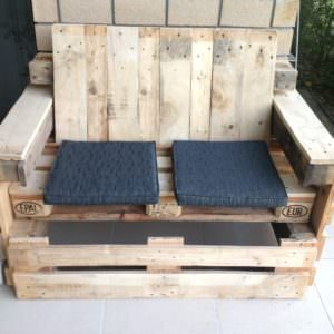 1001pallets.com-outdoor-timber-seat