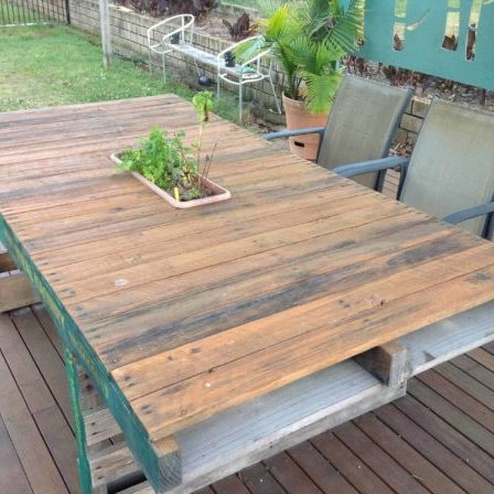 1001pallets.com-outdoor-timber-dining-table