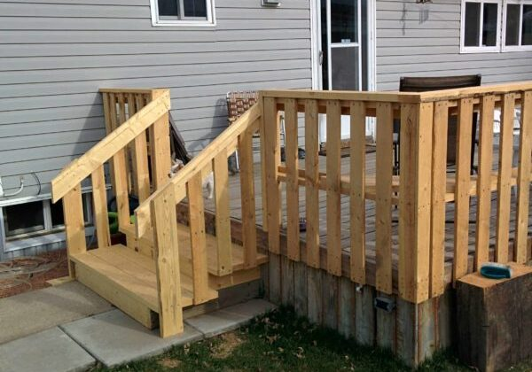 1001pallets.com-outside-deck2