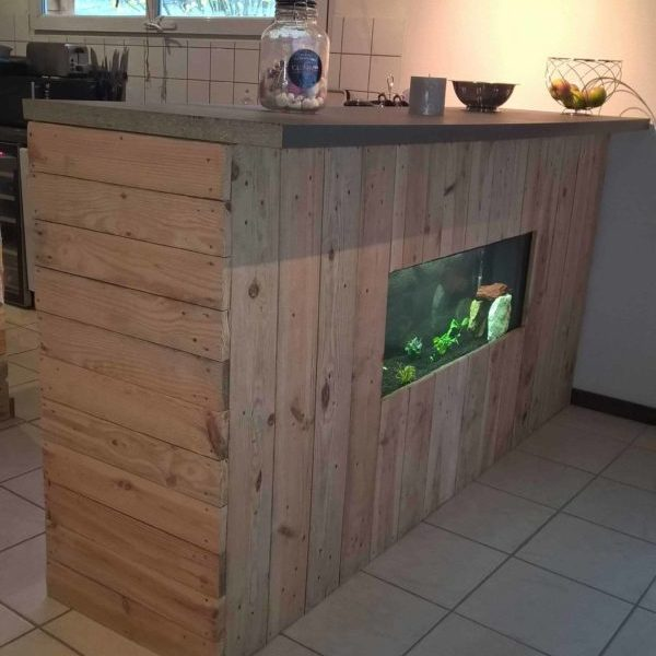 1001pallets.com-bar-aquarium1