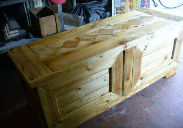 1001pallets.com-pallet-blanket-chest