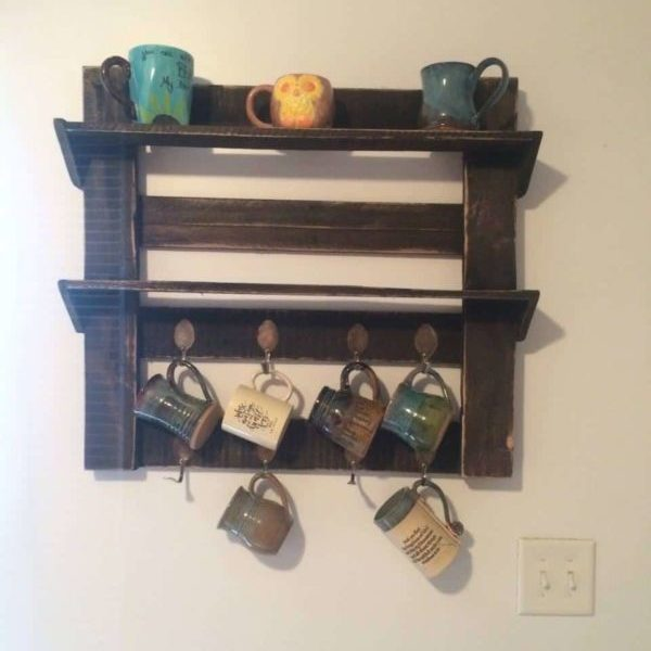 1001pallets.com-coffee-cup-holder