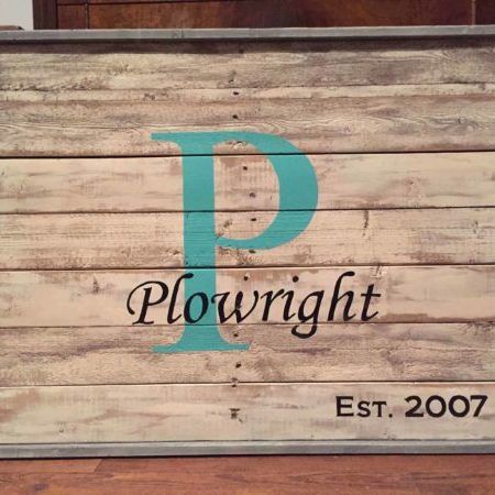 1001pallets.com-family-name-sign