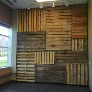 1001pallets.com-how-to-make-a-wall-s-focal-point-with-pallets