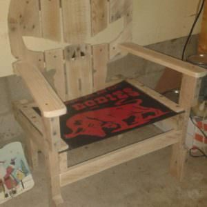 1001pallets.com-garage-chair