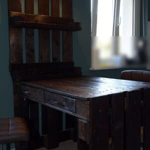 1001pallets.com-kitchen-table-with-shelf