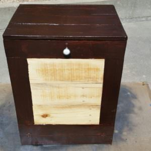 1001pallets.com-kitchen-trash-bin