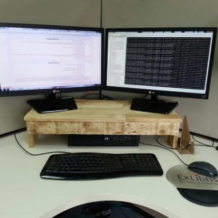 1001pallets.com-a-one-pallet-monitor-stand