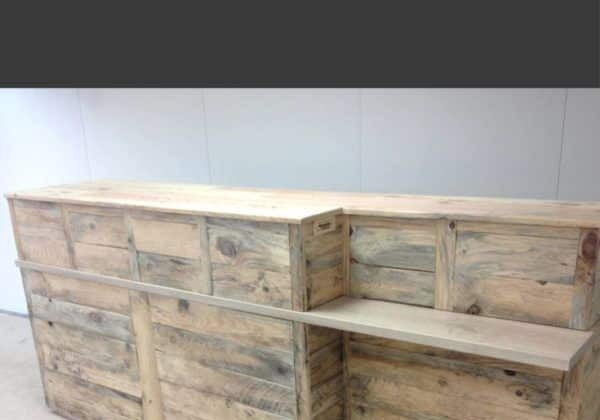 1001pallets.com-pallet-reception-counter-01