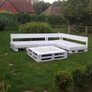 1001pallets.com-pallet-seating-area