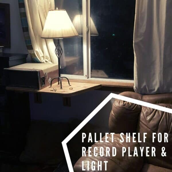 Pallet Shelf for Record Player & Light